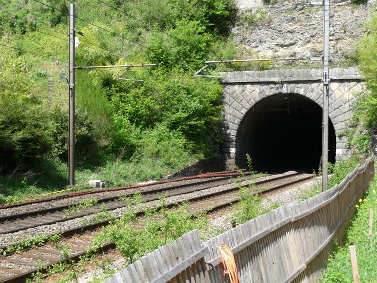LAVAGE DE TUNNELS FERROVIAIRES