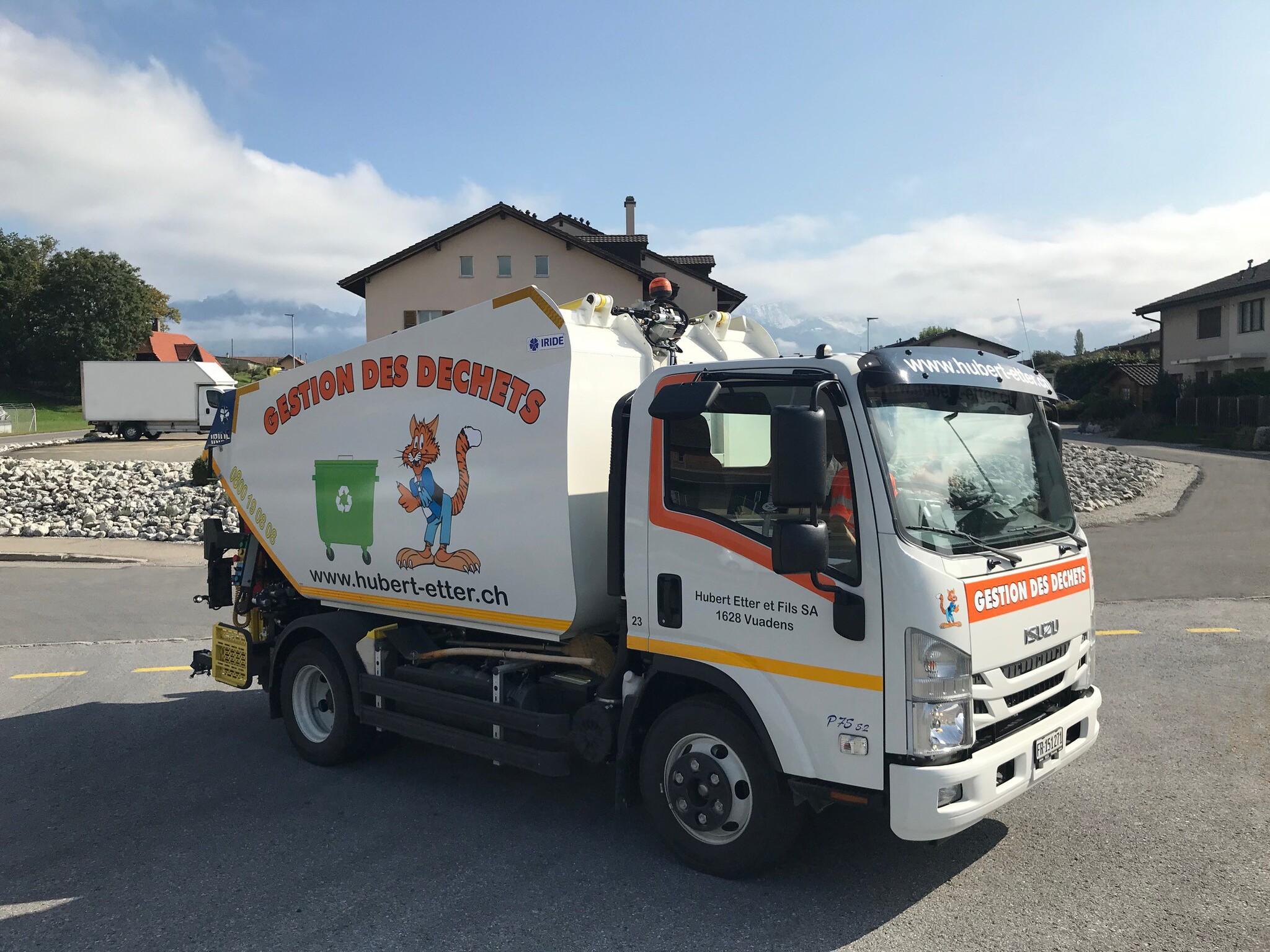 Mise en service de notre camion-poubelle pour la prise en charge de vos déchets